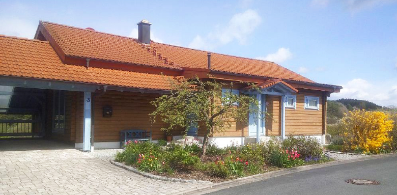 Familie Hümmer, Oberes Püttlachtal 27 in Pottenstein – Ferienhaus Finnisches Holzblockhaus